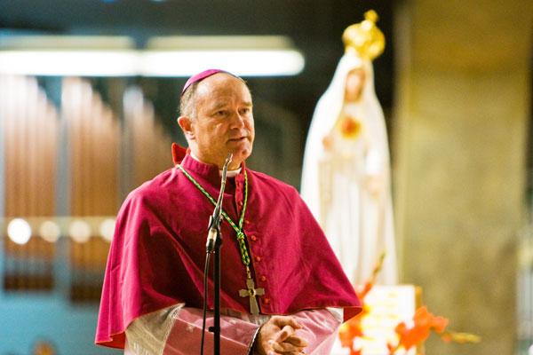 http://www.laportelatine.org/mediatheque/audiotheque/fellay_sermon.jpg